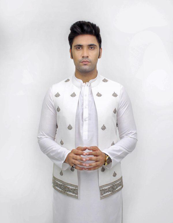 Waist Coat in White VC00092